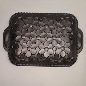 Nordic Ware Kitchen - 👹SOLD👹Nordic Ware Daisy Cake Pan Non Stick